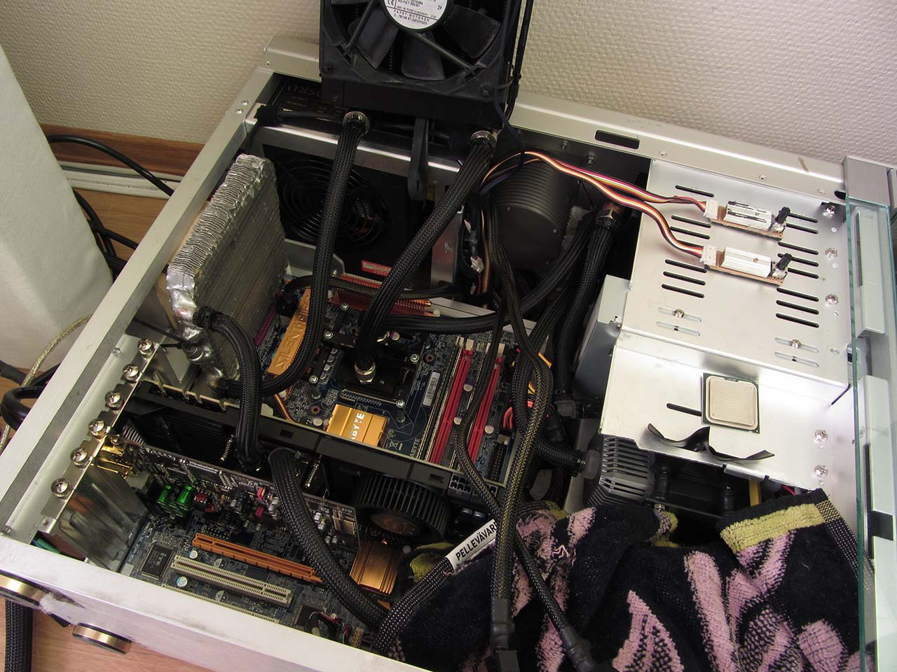 Q6700 GTX 470 motherboard