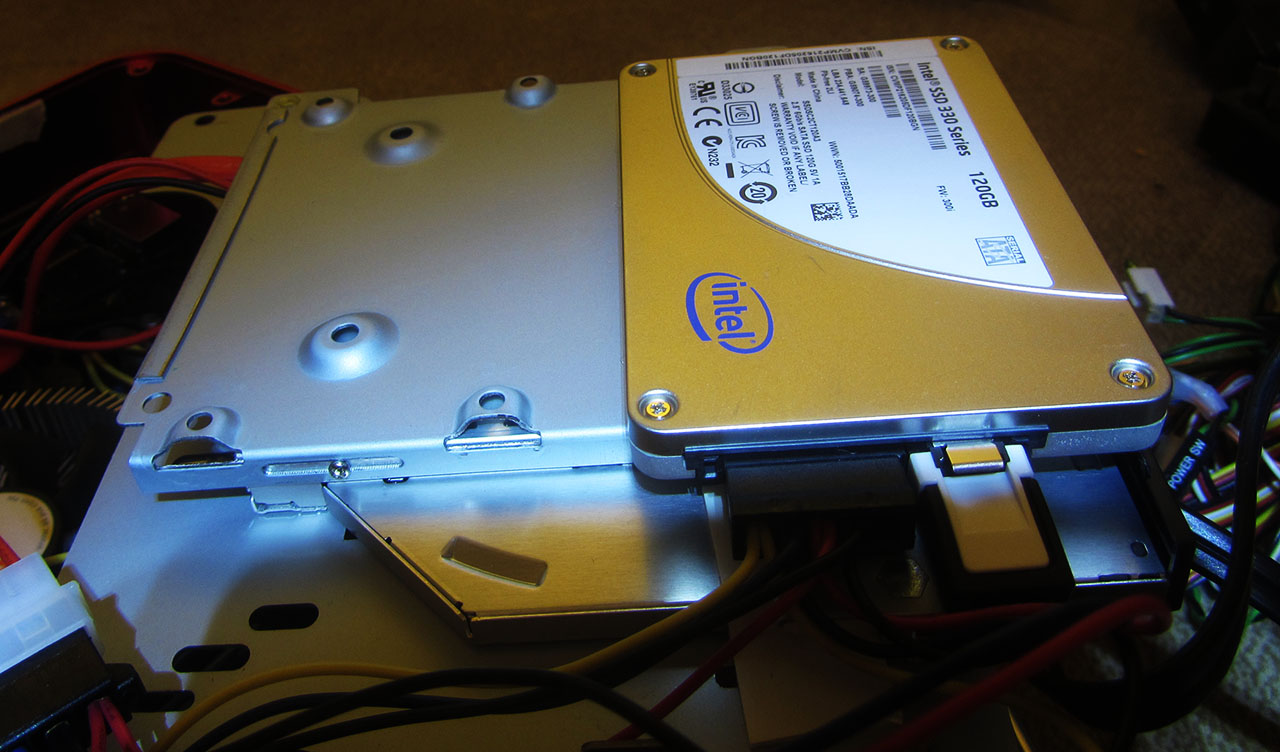 Intel 330 120GB SSD mounted 1280
